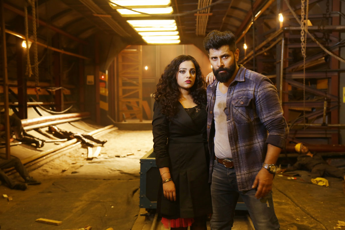 vikram-nithya-menen-iru-mugan-movie-stills-2