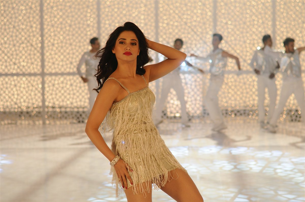 tamanna-hot-stills-in-kaththi-sandai-tamil-movie-13