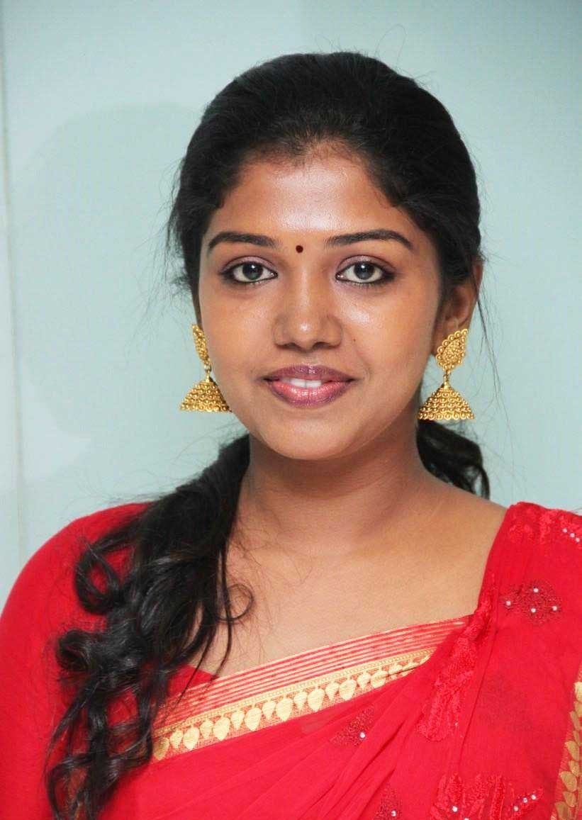 Riythvika profile family, wiki Age, Affairs, Biodata, Husband, Height, Weight, Biography go profile 22